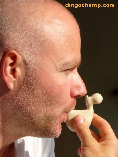 Näbben är typ lektor i oljud. Här skapar han norsk tinnitus från en flodhästlergök.